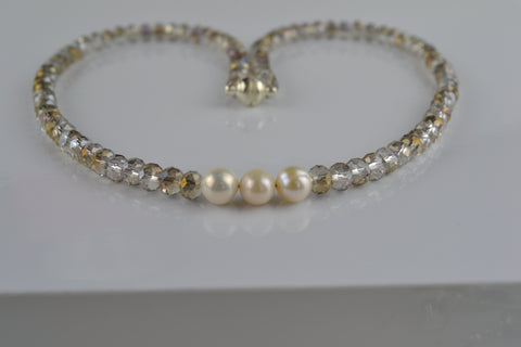 Necklace set : Taupe multicoloured crystals with ivory pearls - Precious as a Pearl