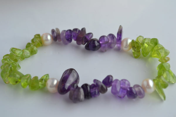 Bracelet: suffragette-inspired  Peridot, pearl and amethyst  Suffragette - Precious as a Pearl
