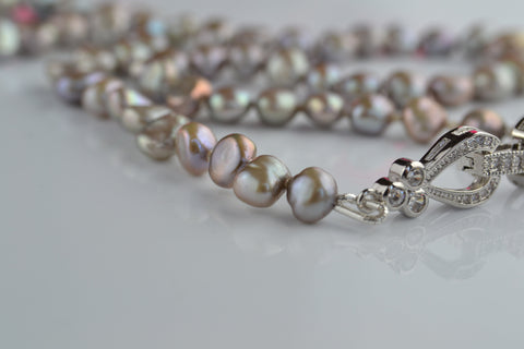 Necklace: Grey pearls - Precious as a Pearl
