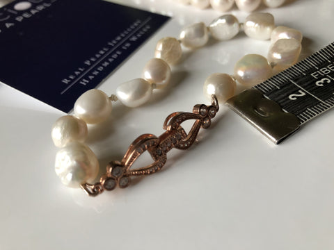 Bracelet: Ivory large baroque pearl bracelet with pretty hearts and flowers decorative clasp - classic or vintage - Precious as a Pearl
