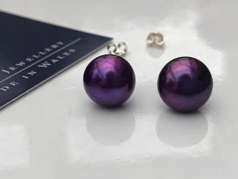 Pearl Stud Earrings: XL Freshwater Pearl studs in Purple classic