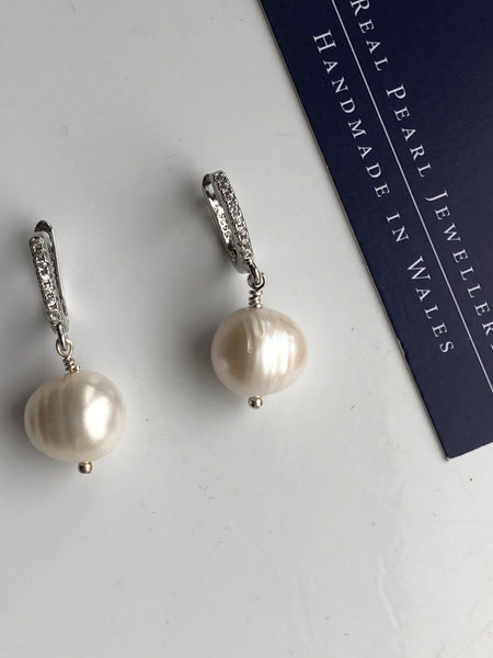 [Pearl jewelry  handknotted pearl necklaces handknotted pearl bracelets pearl earrings pearl and lava pearl and rose quartz] - Precious as a Pearl