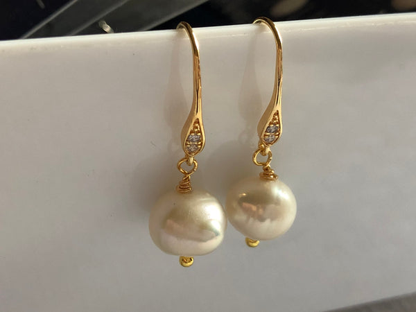 Earrings: Ivory baroque Pearl drop on dainty gold-filled hooks - classic