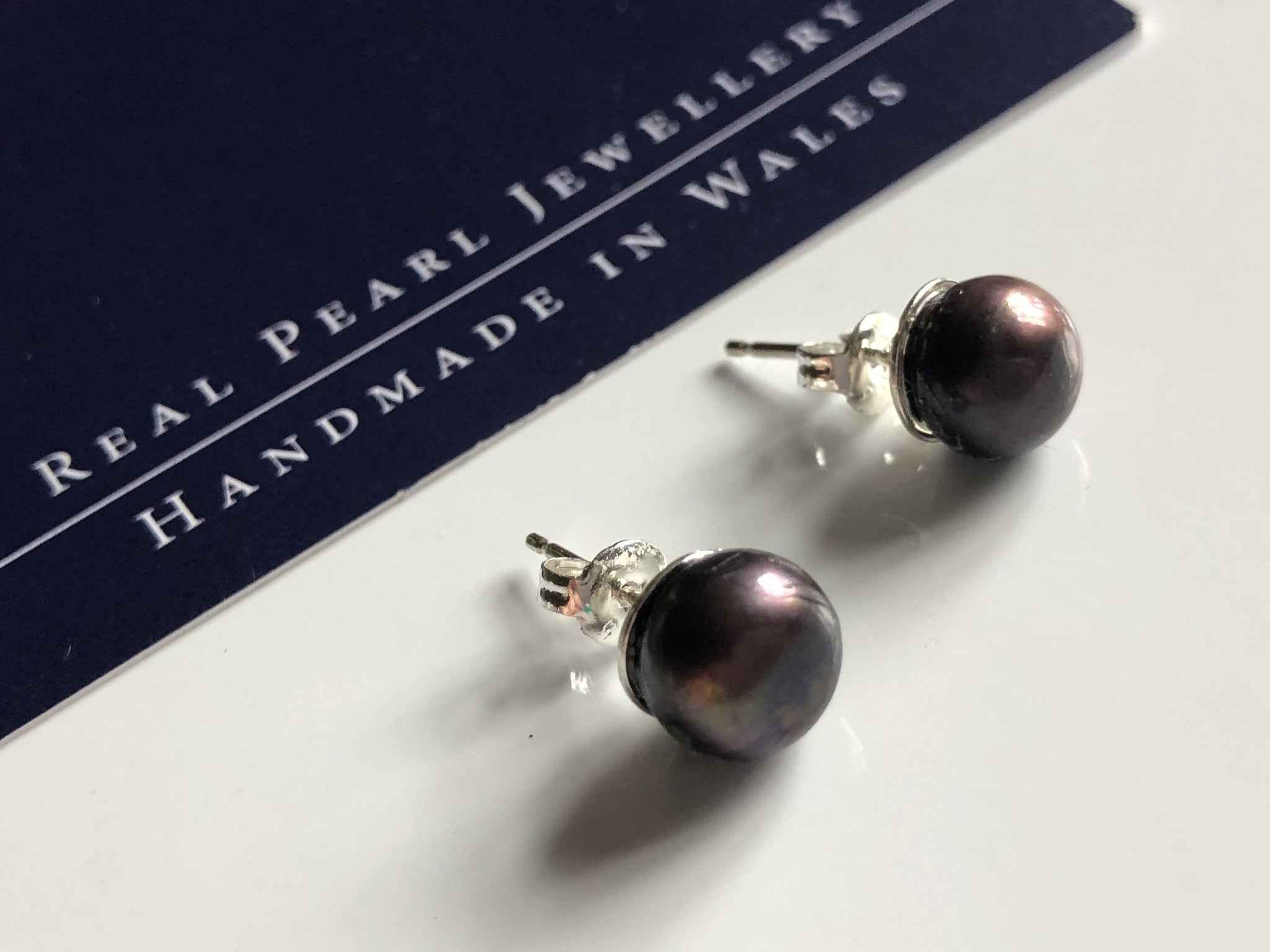 Pearl Stud Earrings: Peacock freshwater pearl stud earrings blue/rust - Precious as a Pearl