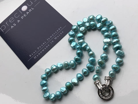 Necklace: Sea green baroque freshwater pearl - Precious as a Pearl