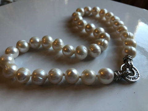Necklace: Freshwater pearl necklace ivory baroque - classic