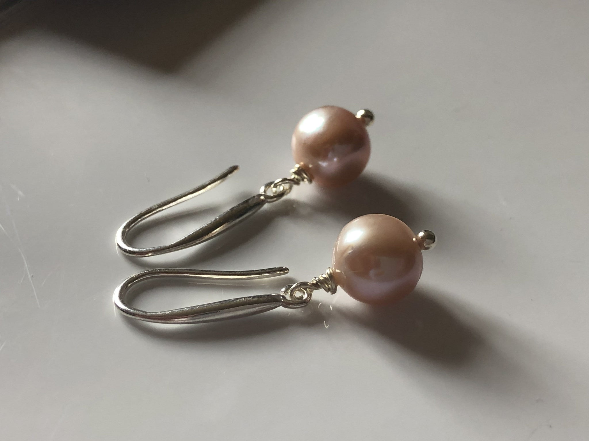 Earrings: Single pearl drop earrings peach classic - Precious as a Pearl