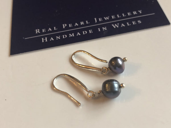 Earrings: Single peacock freshwaterpearl drop earrings