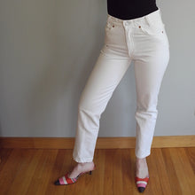 VINTAGE | Orange Tab Levi's 501 High Waisted Jeans - White (27)