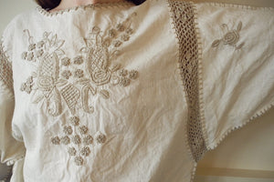 VINTAGE | Crochet and Embroidered Cinch Waist Peasant Top  - Cream (XS-L)