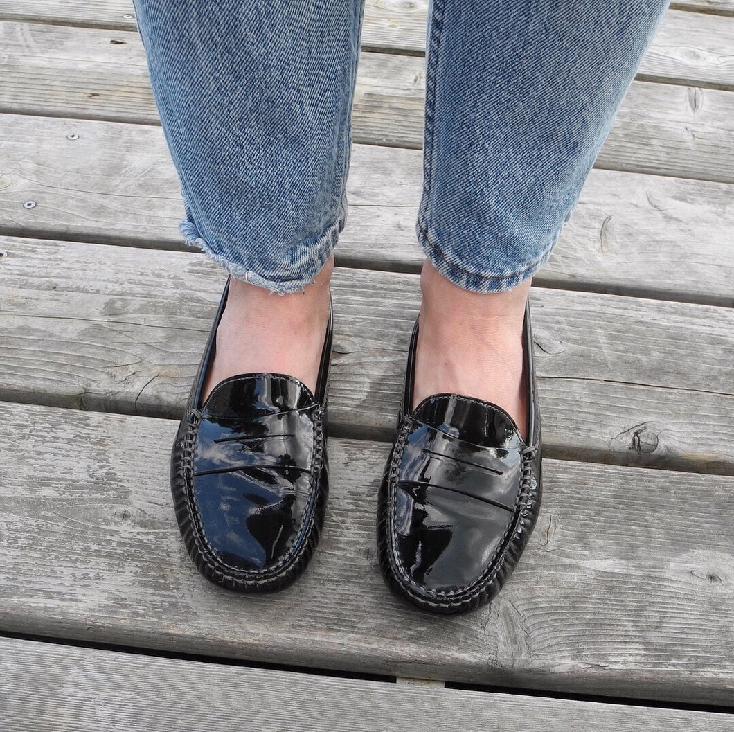 DESIGNER | Tod's Gommino Driving Shoes - Black Patent Leather (6.5)