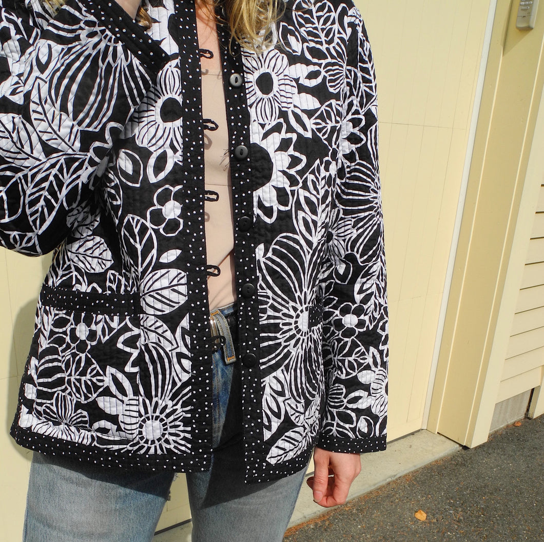 VINTAGE | Reversible Quilted Jacket - Black + White (S/M)