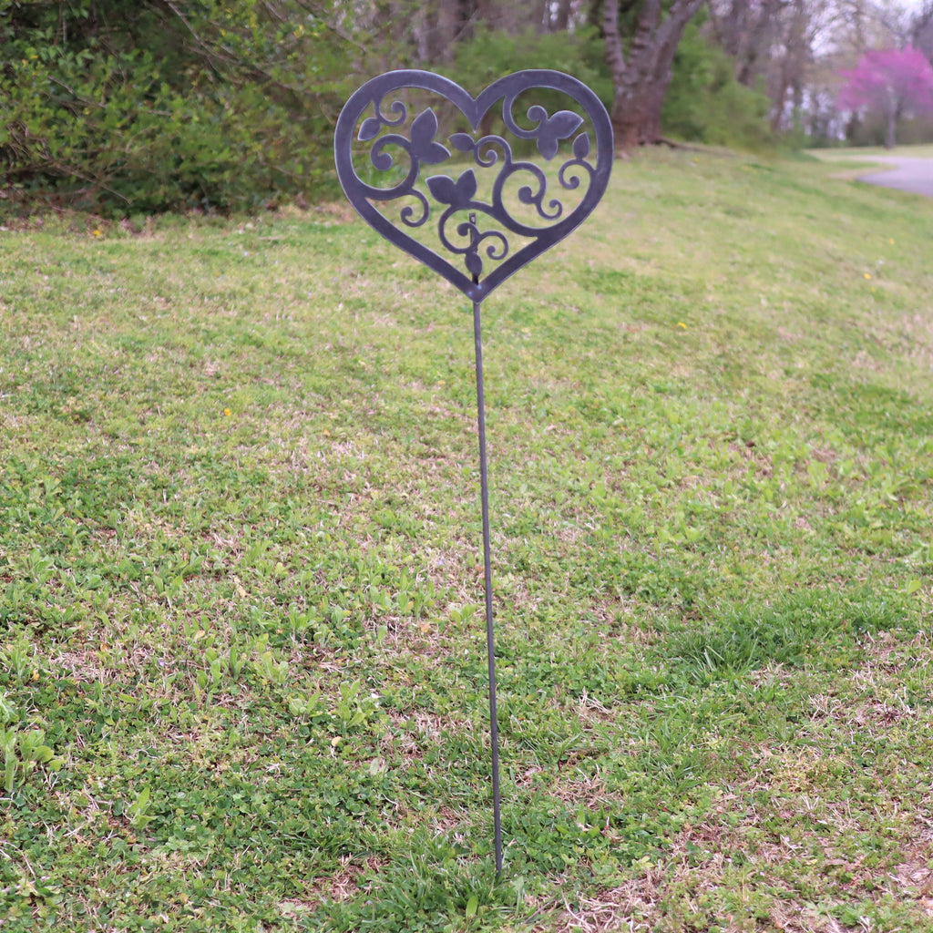 Metal Heart and Swirls Garden Stake , Steel Gardening Decor , Yard Art  Marker