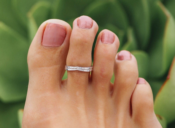 Chevron Toe Ring - Multiple Colors