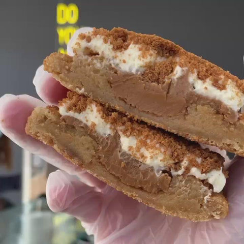 Biscoff Cheesecake Cookie