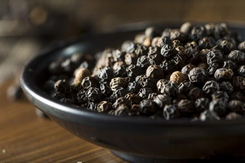 Raw peppercorns