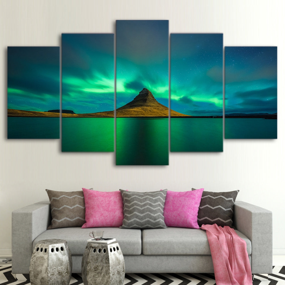 Northern Lights, Kirkjufell, Iceland 5 Panel Canvas Print Wall Art Canvas Print Got It Here