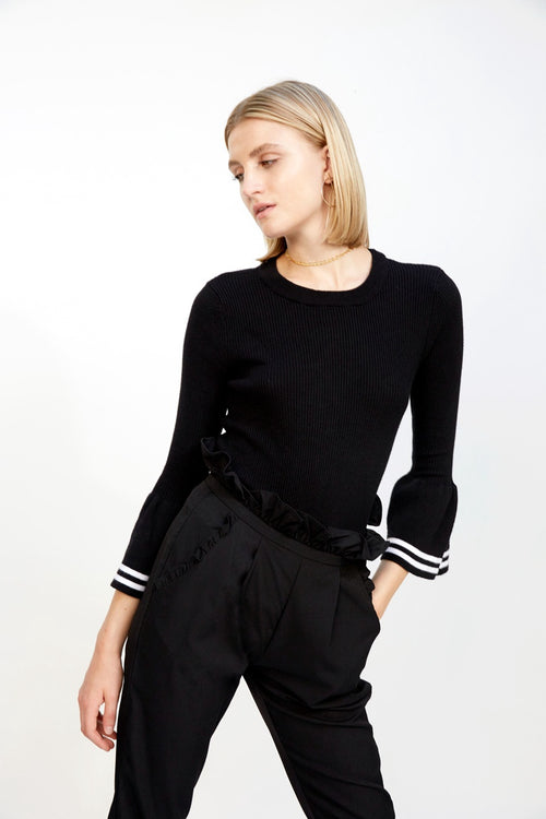 Bell Sleeved Ribbed Sweater Black