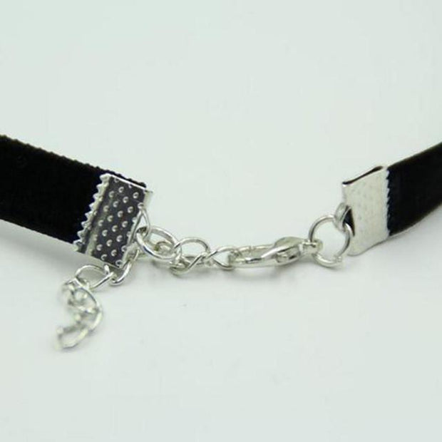 Velvet Choker (more colors available)