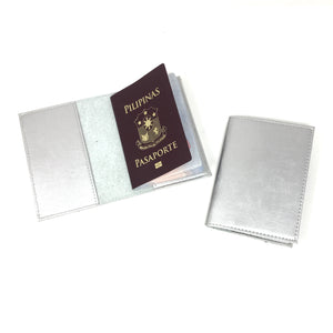 Metallic passport holder (basic)