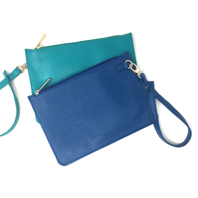Flat purse with wristlet