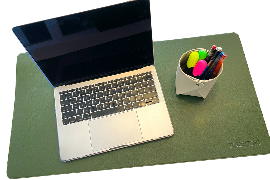 Reversible desk blotter mat with pen holder