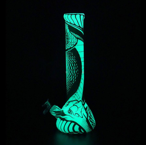 Bong With Glow in the Dark Dragon