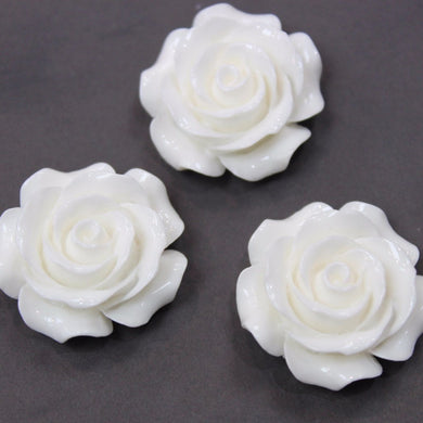 28mm White Rose Cabochon