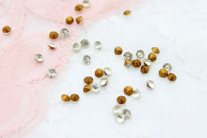 100pc Vintage Czech 3mm Rhinestones