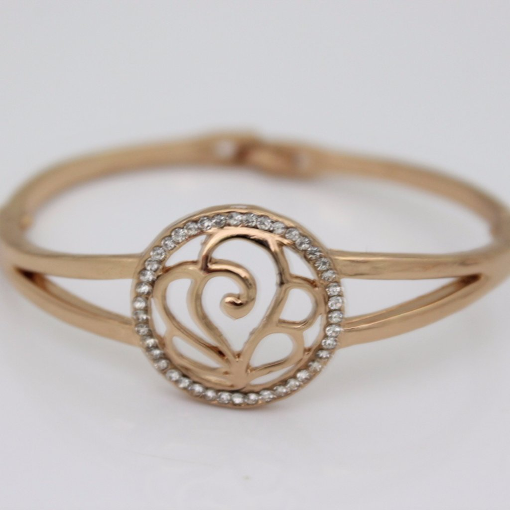 Beautiful Rose Rhinestone Bangle