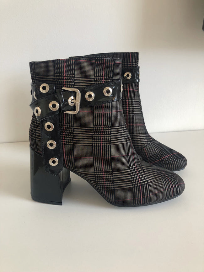 Check Print Boots