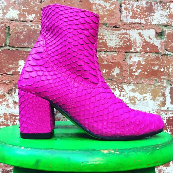 Sassy Boot - Neon Pink-Shoes-jfahristore