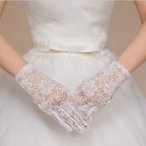 White Lace Bridal Gloves Short Elegant Vintage Style Wedding Party Gloves With Fingers