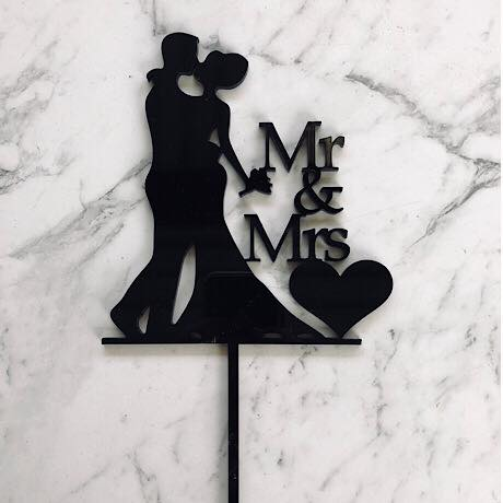 Bride & Groom - Mr & Mrs Cake Topper