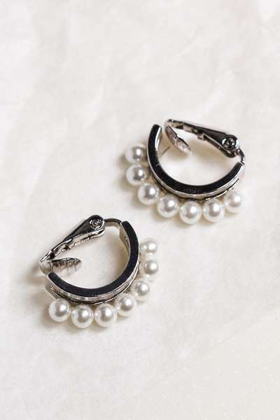 OLIVIA NZ Store online | Dana Pearl Clip Earrings / Silver |