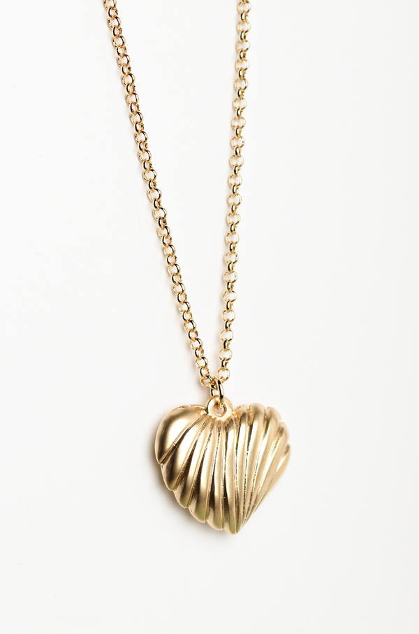 Heart Shell Necklace / Gold - OLIVIA NZ