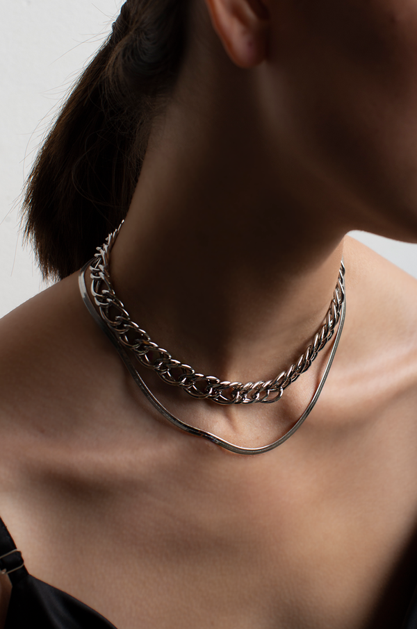Crimson Chain Layered Necklace / Silver
