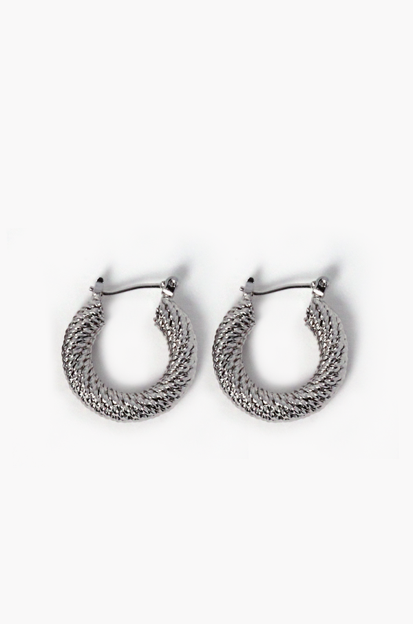 Willy Hoop Earrings / Silver