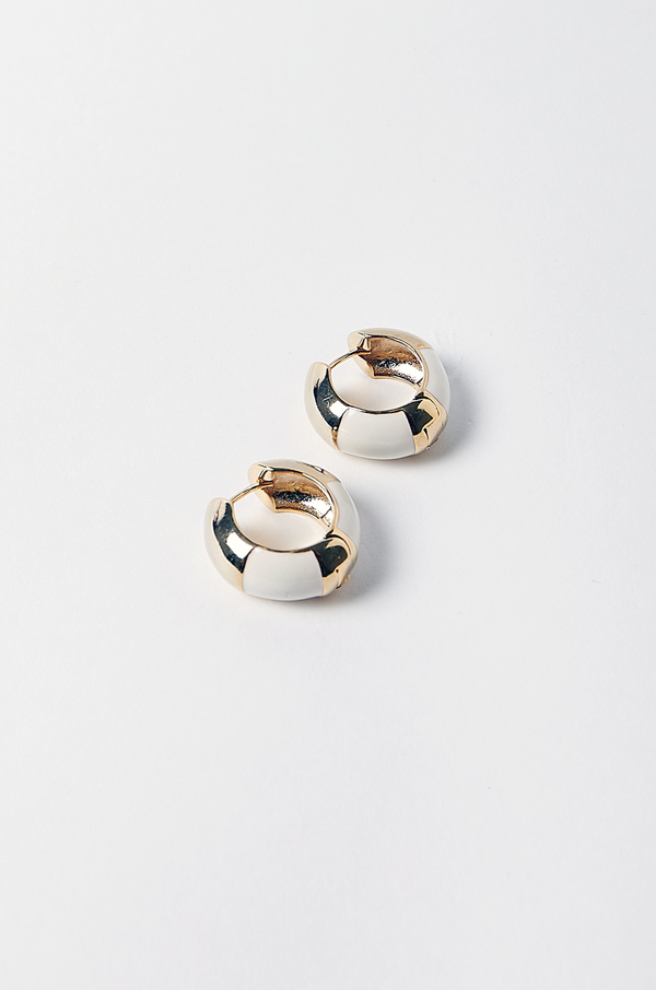 Revolver Hoop Earrings / Cream