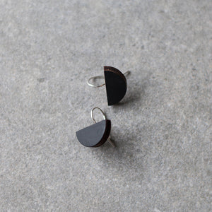 Minimal earrings | half moon