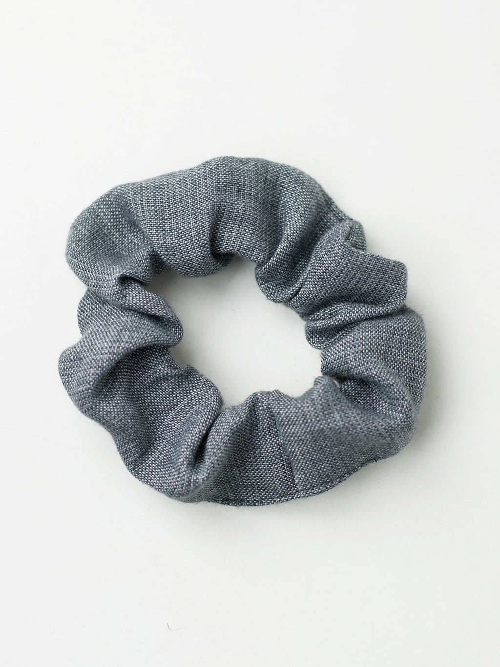 Scrunchie made from 100% recycled linen cotton fabric.