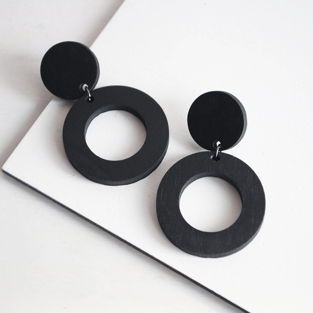 Minimal drop earrings | two circles