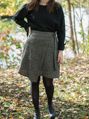 Wrap up mini skirt | linen/wool