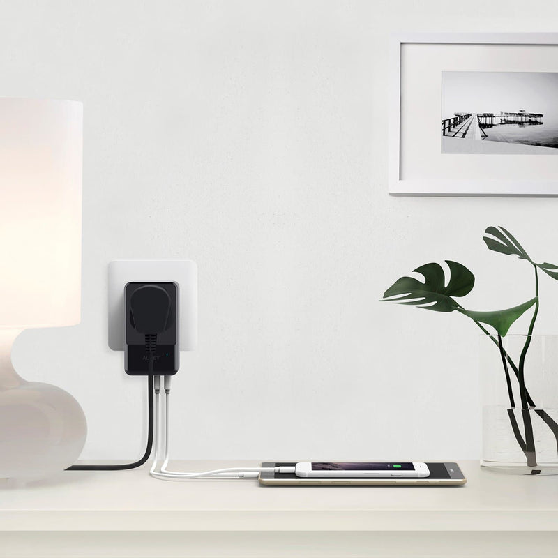 AUKEY PA-S11 PowerHub Mini 4 USB Port With 1 Socket Travel Charger - Aukey Malaysia Official Store
