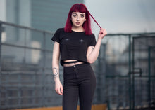 women's cropped double bee tee
