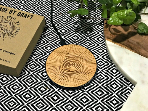 all seeing a qi wireless fast charge charging pad