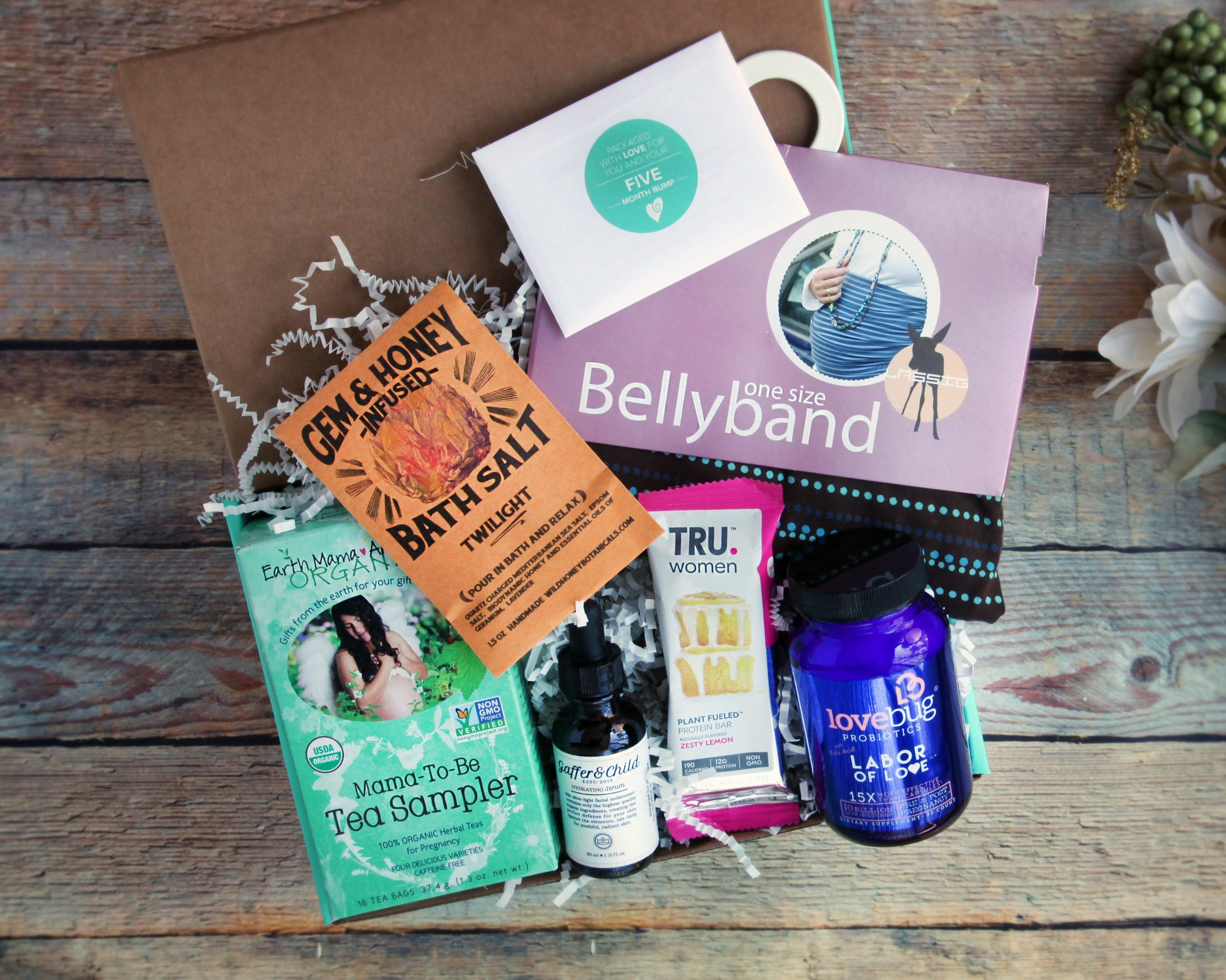 Ecocentric Mom Box March 2018.
