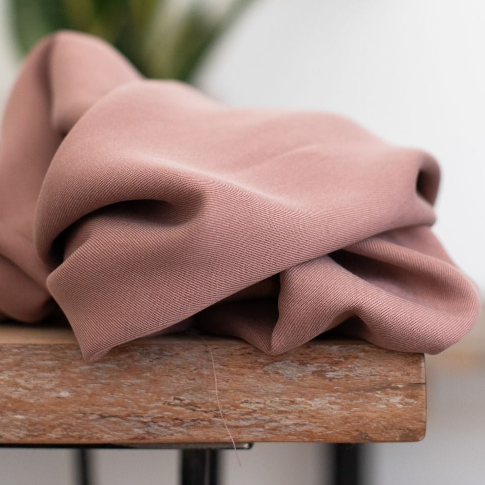 Old Rose - Smooth Drape Twill with TENCEL™ fibres - meetMILK