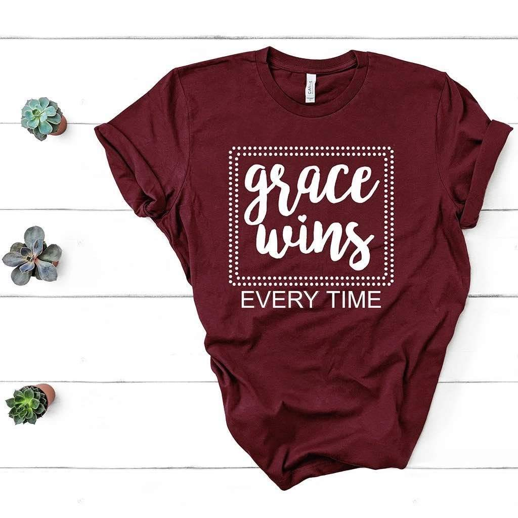 Short sleeve maroon t-shirt with an uplifting Christian inscription