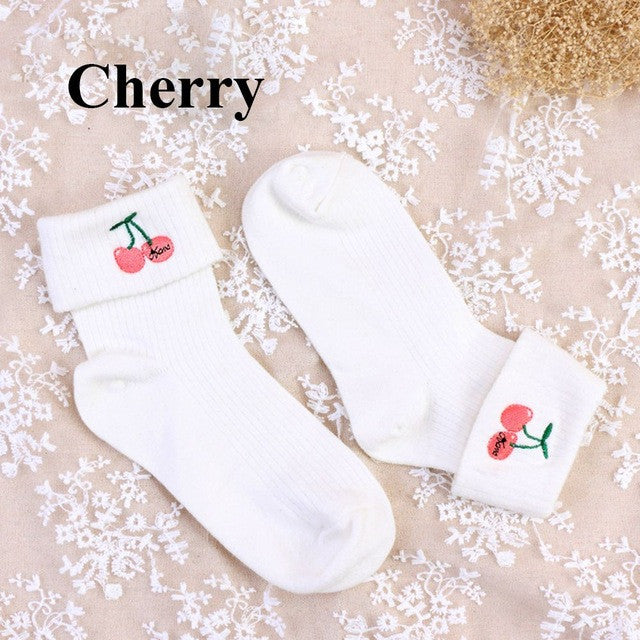 1 pair New Arrival Beauty Casual Embroidered Cotton Socks Fashion